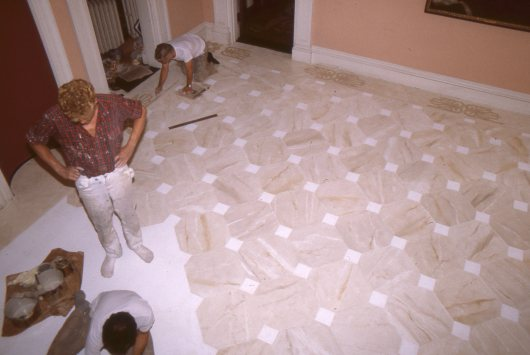 Painting the floor cloth, 1982 (7)