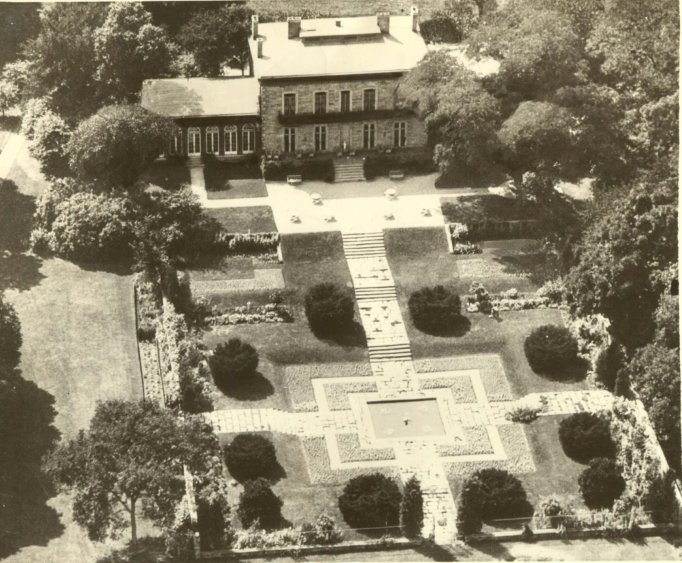 1936 Bartow-Pell Formal Garden