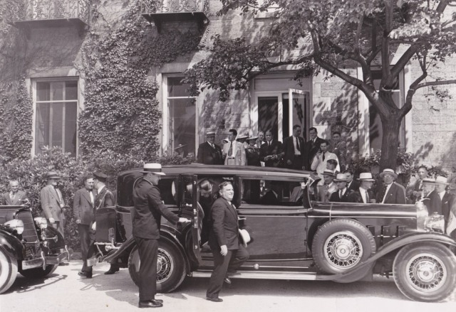 Mayor Arrives at Bartow, July 1936